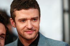 Justin Timberlake Photos Photos - Singer Justin Timberlake attends the Conde Nast Media Group's Fifth Annual Fashion Rocks at Radio City Music Hall on September 5, 2008 in New York City. - Conde Nast Media Group's Fifth Anniversary Of Fashion Rocks - Arrivals