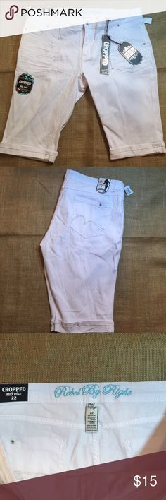 """✔️NWT PLUS SIZE """"Rebel by Right"""" Cropped Shorts 22 ✔️NWT✔️Cropped Shorts✔️Plus Size✔️Color- White ✔️Size 22✔️ """"Rebel by Right""""✔️Cropped MID Rise Shorts Rebel by Right Shorts"""