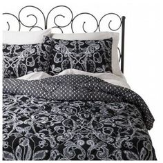 Xhilaration Full Queen Black & White Lace Comforter & Shams Set Reversible