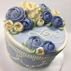 A beautiful #wedgwood inspired buttercream cake for my grandparents 65th wedding anniversary