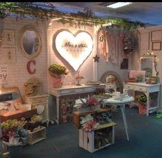 Letras y figuras luminosas para decorar tu boda (The Box Room Madrid)