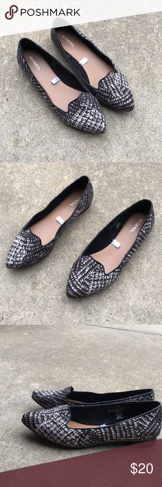 NWOT black and white flats Adorable flats. NWOT. Never worn. No signs of wear at all. Merona Shoes Flats & Loafers