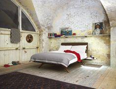 Elegante simplicidad La de la cama Hepburn, de Matthew Hilton para De la Espada, 3.210 €.