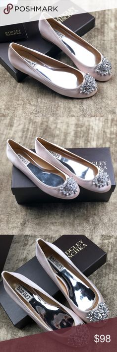 NEW Badgley Mischka Bianca bridal slippers 6.5 💎 New with box Badgley Mischka diamond & satin petal pink ballet flats. Simply divine. Beyond stunning in person. The large diamond toe detail resembles a royal crown with a tear drop effect. Ballet slipper pink. Size 6.5. Never worn. These fit true as a 6.5. My pictures are not filtered! They are truly this beautiful. Great for a formal, prop, bridal, weddings, holiday parties. Perfect for all ages. Showpiece!! Badgley Mischka Shoes Flats…