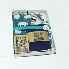 Our 3 piece gift sets come packaged and ready for gifting! We've got you covered for your next baby shower! . . . . . #mommytobe #mompreneur #momswithcameras #momtobe #momtogs #mycreativebiz #naturalbaby #newborn #organicbaby #organiccotton #pixel_kids #shophandmade #shoplocal #shopsmall #swaddle #teethingsucks #thatsdarling #toddlelife #tummytime #uniteinmotherhood #realmakersofig #etsywholesale #babylovepdx #organicbabyclothes #naturalmama #kidstyle #etsyforlittles #newbabygift…