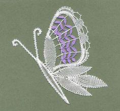 Mariposas - Taller de Encajes - Веб-альбомы Picasa Needle Lace, Bobbin Lace, Crochet Butterfly, Picasa Web Albums, Lace Heart, Point Lace, Lace Jewelry, Lace Making, String Art