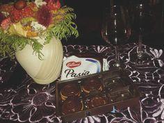 Wczoraj spędziliśmy uroczy wieczór z ciastkami PASJA dr Gerard. Idealnie komponują się z czerwonym winem :) #drGerard #wiecejrazem https://www.facebook.com/photo.php?fbid=1642610059311344&set=o.145945315936&type=3&theater