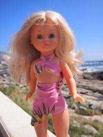 Ya que hace buen tiempo, vamos a llevar a las Nancys a la piscina.    Los modelos los hice con un tutorial de Anilegra, aprovechando un bañ...