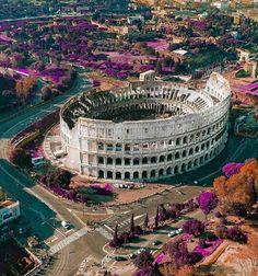 Rome Italy - Architecture and Urban Living - Modern and Historical Buildings - City Planning - Travel Photography Destinations - Amazing Beautiful Places Monte Everest, Destination Voyage, Visit Italy, Italy Travel, Rome Travel, Travel Trip, Travel Destinations, Vacation Trips, Wonders Of The World