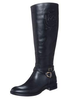 4d8912be33 Botas para mujer de caña alta planas en color negro de Scapa http