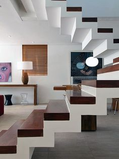 escada, alvenaria, branco, madeira                                                                                                                                                                                 Más Loft Staircase, Staircase Railings, Curved Staircase, Wood Stairs, House Stairs, Staircase Design, Staircases, Interior Stairs, Interior Design Living Room