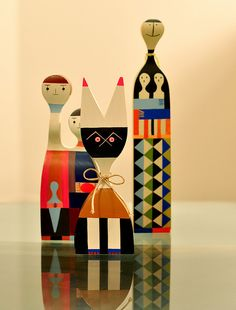 Alexander Girard Wooden Dolls, image by Modernfindings.com