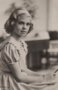 carolathhabsburg:  Princess Margareta of Sweden. 1945