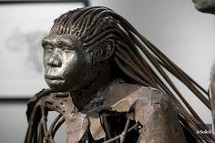 «Ce qui ne nous soude pas nous désagrège», semblent nous chuchoter à l'oreille les oeuvres de Don Darby, à qui la Ville de Québec consacre une magnifique rétrospective...