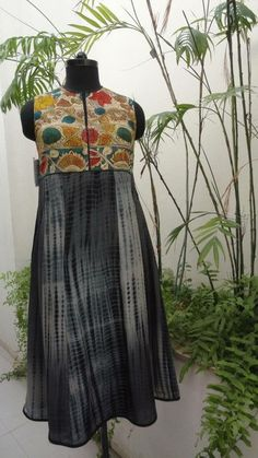 Black Shibori salwar suit with black and white design. Salwar is sleeveless and high neck with kalamkari patch. Kurta Patterns, Dress Patterns, Indian Attire, Indian Wear, Indian Dresses, Indian Outfits, Kalamkari Dresses, Kalamkari Kurta, Kurtha Designs