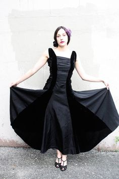 c8cf5f8603a622 Vintage 1940s Dress    30s 40s Black Silk Velvet and Taffeta Formal Evening  Gown    Ruched Bodice    Femme Fatale