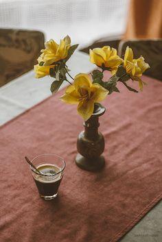 X ღɱɧღ Coffee Cozy, Fresh Coffee, I Love Coffee, Coffee Break, Coffee Time, Morning Coffee, Coffee Shop, Tea Time, Chocolate Shop