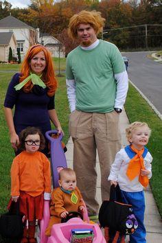 Scooby Doo Halloween Costumes, Happy Halloween, Matching Halloween Costumes, Halloween Photos, Cute Costumes, Family Halloween Costumes, Baby Halloween Costumes, Baby Costumes, Halloween Outfits
