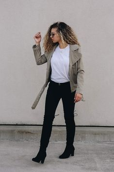 9 Outfits to Copy if You Want to Dress Like a Model - MY CHIC OBSESSION Model Outfits, Rock Outfits, Hipster Outfits, Casual Fall Outfits, Simple Outfits, Chic Outfits, Fashion Outfits, Fall Fashion, Classic Outfits