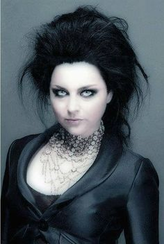 Amy Lee Beautiful Goth -- um, how have I gone so long without seeing Amy Lee in glorious rococo-goth style?