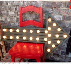 Studio 5 - Marquee Arrow.  I am GOING to make me one of these... or a few