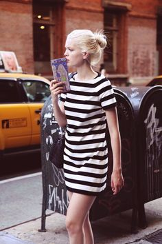 Daphné Groeneveld in stripes. Stripes In Streetstyle ❤ Shift Dresses, Simple Dresses, Beautiful Dresses, Look Fashion, Womens Fashion, Fashion Trends, Dress Fashion, Fashion Beauty, Marine Look