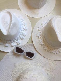 Hats GoustoMouKeCapeloMou by Elena Chalati #hat #white #goustomoukecapelomou #lespsecs #eyewear #handcrafted