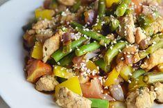 Een recept voor een gezond en lowcarb Aziatisch wokgerecht met kip en sperziebonen.