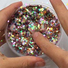 glitter bomb slime~ Slime Craft, Diy Slime, Slime Asmr, Slime Gif, Glitter Slime, Glitter Bomb, Oddly Satisfying, Satisfying Things, Types Of Slime