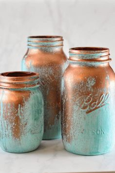 Read this brilliant written craft tutorial by Suburble and add a bit of antique glam to your mason jars! Mason jars are one of our favorite craft materials! So grab your mason jars, and . Mason Jar Projects, Mason Jar Crafts, Mason Jar Diy, Bottle Crafts, Rustic Mason Jars, Distressed Mason Jars, Painted Mason Jars, Spray Paint Mason Jars, Diys
