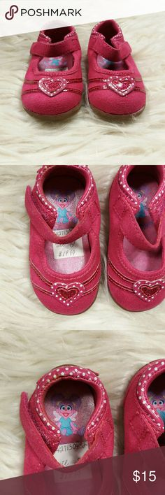 New Sesame Street Abby Pink Mary Janes Baby Sz 2 New Sesame Street Abby Pink Mary Janes Baby Sz 2 . Never worn .Has Velcro strap. Rubber soles. Fast shipping same or day next buisness day. Sesame Street Shoes Baby & Walker