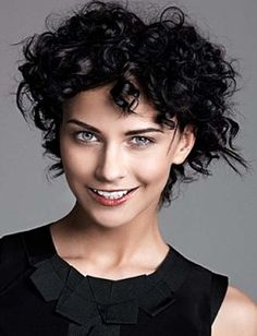 50 Short Curly Hairstyles To Look Amazing – Fave HairStyles - Frisuren Ideen Short Curly Cuts, Short Curly Hairstyles For Women, Short Curls, 2015 Hairstyles, Curly Hair Cuts, Hairstyles For Round Faces, Curled Hairstyles, Hair Styles 2014, Medium Hair Styles
