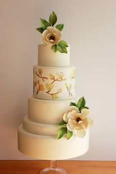 Tarta decorada con magnolias / Magnolias Wedding Cake