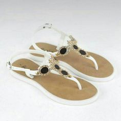 2e75bbdf2212 Check out Jeantet Sandals   FREE SHIPPING 👍👌 for ₱ 359.00. Get it on