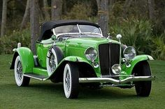 1932 Auburn Speedster - (Auburn Automobile Company Auburn, Indiana Upped by Tburg Auto Retro, Retro Cars, Vintage Cars, Antique Cars, Vintage Auto, Vintage Ideas, Classy Cars, Sexy Cars, Hot Cars