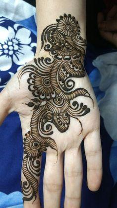 Best Latest Front Hand Henna Design For Girls : Collection of creative & unique mehndi-henna designs for girls Easy Mehndi Designs, Latest Mehndi Designs, Henna Tattoo Designs Simple, Henna Art Designs, Mehndi Designs For Beginners, Mehndi Simple, Mehndi Designs For Fingers, Dulhan Mehndi Designs, Easy Henna Patterns