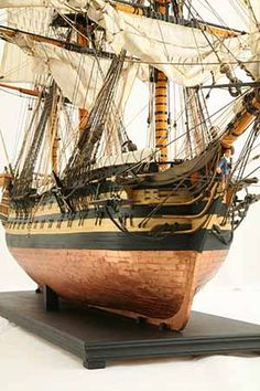 Close-up photos of ship model HMS Wellesley. HMS Wellesley was launched at Bombay in 1815 as a 74 gun ship. Model Sailing Ships, Old Sailing Ships, Model Ships, Mercedes Stern, Wooden Model Boats, Model Ship Building, Ship Of The Line, Man Of War, Wooden Ship