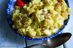 The best vegan potato salad; vegan mayo and tofu scramble Tasty Vegetarian Recipes, Veg Recipes, Vegan Recipes Easy, Wine Recipes, Cooking Recipes, Vegan Mashed Potatoes, Vegan Potato Salads, Vegan Baking, Vegan Foods
