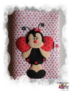 Fazendo Arte by Ágatha Kozakevic - Capa Decorada - Bonequinha Joaninha Lady Bug, Ladybug Costume, Maria Jose, Spring Crafts, Diy And Crafts, Patches, Tropical, Education, Birthday