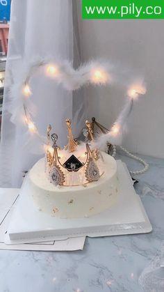 Chanel Birthday Cake, Cute Birthday Cakes, Beautiful Birthday Cakes, 19th Birthday, Birthday Decorations, Cake Decorating Supplies, Cake Decorating Techniques, Miffy Cake, Cake Frosting Designs