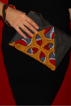 Clutch. Selbstgenäht. Handgemacht. Afrikanischer Wax Print Stoff. SnapPap. Clutch, Ethical Fashion, Diy Fashion, Bags, African Textiles, Homemade, Handbags, Sustainable Fashion, Totes