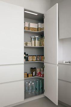 Ideas for kitchen corner pantry cabinet organizations Kitchen Pantry Design, Kitchen Cabinets Decor, Diy Kitchen Storage, Modern Kitchen Design, Home Decor Kitchen, Kitchen Furniture, Kitchen Interior, Home Kitchens, Kitchen Organization