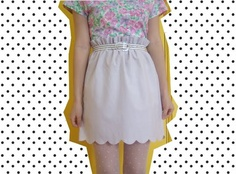 floral top with plain skirt, love it!