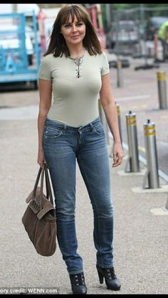 How SHOULD Carol Vorderman dress at However the bloody hell she wants, she looks amazing! There's one thing you should know about Carol Vorderman if you meet her she will f*** you trust me I know Beautiful Celebrities, Gorgeous Women, Sexy Older Women, Sexy Women, Carol Vordeman, Carol Kirkwood, Jolie Lingerie, Portraits, Voluptuous Women