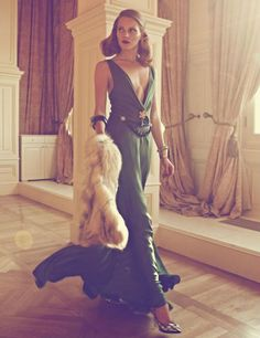 Nothing says 40s glamour quite like jewel tones and fur.