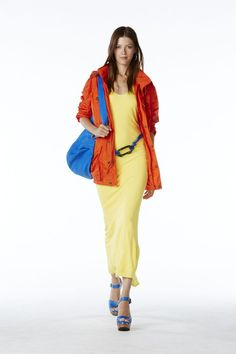 mat jaune jaune sac cuir vachetta sandales sabots femmes printemps printemps 2015 ile gerekleti orange robe bleu roi
