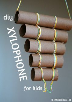 INSTRUMENTS FOR KIDS: DIY XYLOPHONE Music is awesome for child development. Try this DIY xylophone homemade instrument for kids!Music is awesome for child development. Try this DIY xylophone homemade instrument for kids! Yarn Crafts For Kids, Diy For Kids, Toddler Crafts, Instrument Craft, Homemade Musical Instruments, Preschool Music, Music Crafts, Music And Movement, Cardboard Tubes