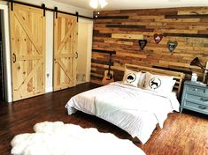 Designer Feature wall cladding panels that will turn any room into a pleasuarble space of admiration. Wooden Pallet Wall, Pallet Wall Shelves, Diy Pallet Sofa, Wooden Pallet Projects, Wooden Pallet Furniture, Diy Sofa, Wooden Pallets, Pallet Ideas, Wall Cladding Panels