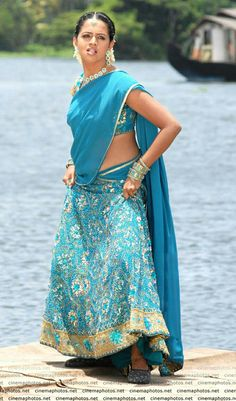 Beautiful Girl Indian, Most Beautiful Indian Actress, Beautiful Saree, Indian Actress Hot Pics, South Indian Actress, Indian Actresses, Bhavana Actress, Bikni Photo, Aunty In Saree