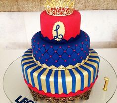 I love the conbination of colors on that cake